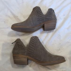 Vince Camuto Prism2 Booties